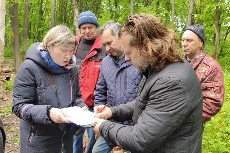 противоаварийные работы на флигеле в Троекурово (15 мая 2020)