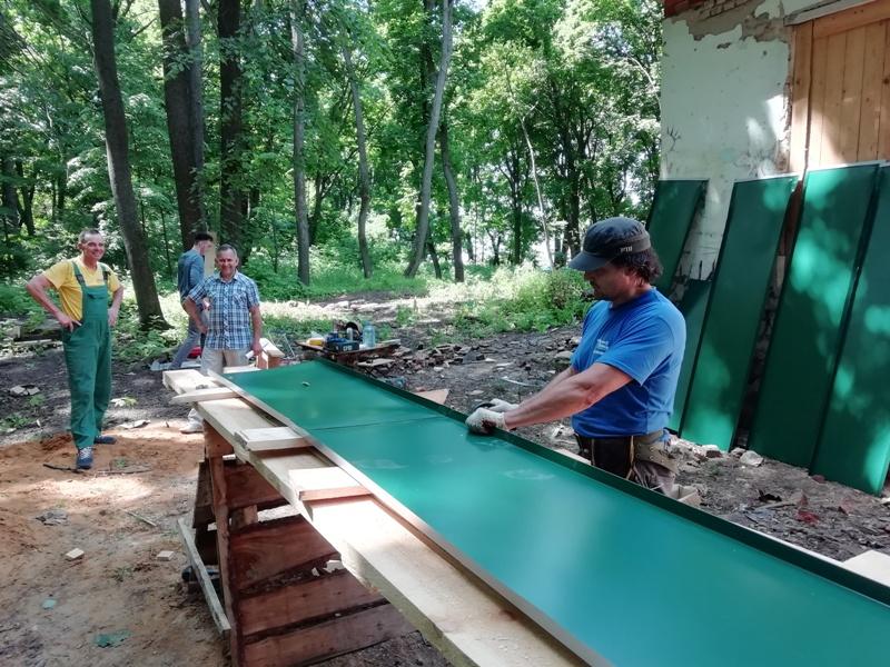 Парк в Троекурово. Работы на усадебном флигеле. 10 июня 2020